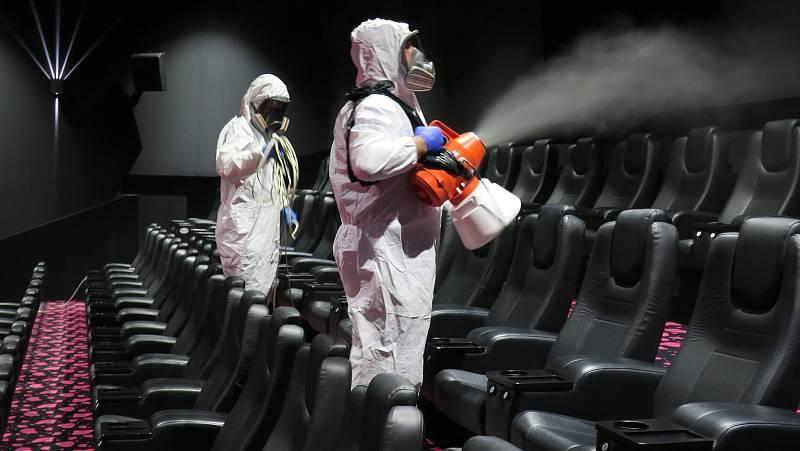 Multikino Cinestar v IGY je po plošné dezinfekci a čeká na první diváky.