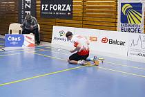 Vítěz dvouhry juniorů po vítězném míči Hasan Berkay Günbaz se svým trenérem.