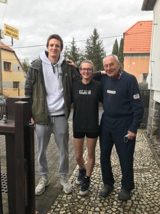 Vítk Krejčí, Karolína a Miroslav Vondřičkovi