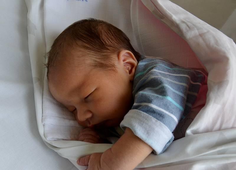 Staršími sourozenci jsou od 8. 9. 2021 8letá Barbora a 5letý Michal z Vodňan. Rodičům Monice a Michalu Vávrovým se v tento den v 16.38 h narodil Matěj Vávra, vážil 3,95 kg.
