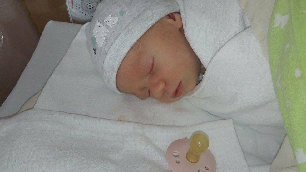 Petr Tadeusz Dočkal z Loučovic. Syn Emilie Anny a Petra Dočkalových se narodil3. 5. 2021 v 9.43 hodin. Při narození vážil 3280 g.
