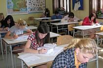 Na středních školách začíná příští týden přijímací řízení. Většinou rozhoduje prospěch žáka.