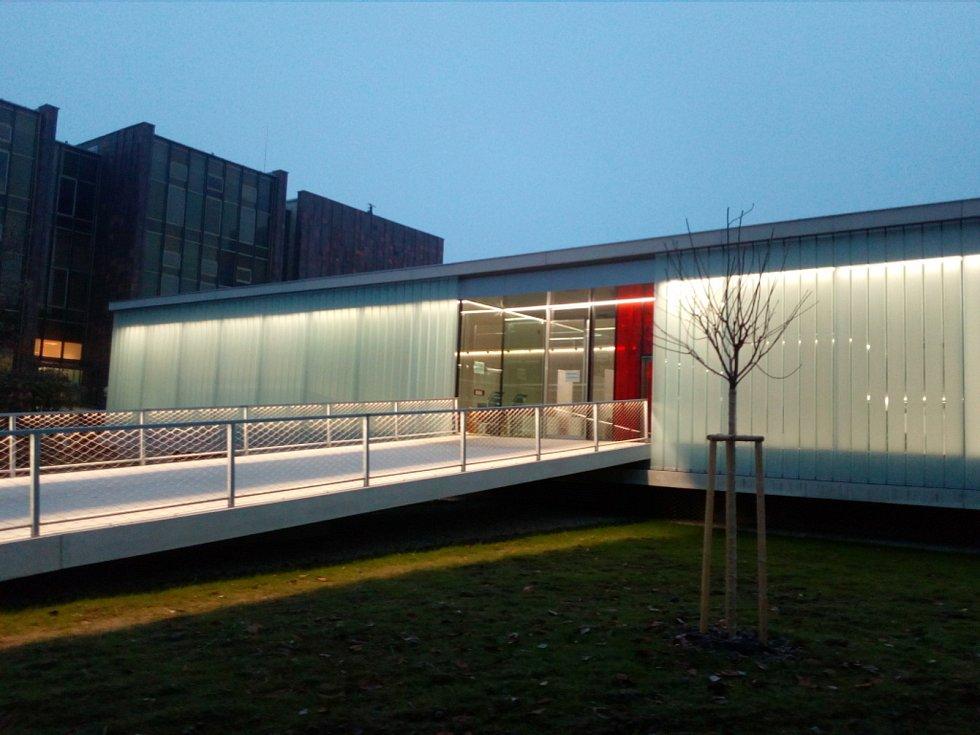 Přístavba Jihočeské vědecké knihovny v Lidické třídě.
