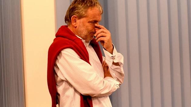 Velké zklamání panovalo ve volebním štábu ODS, která nemůže být s výsledkem voleb spokojená. Na snímku zklamaný lídr strany Tomáš Jirsa.