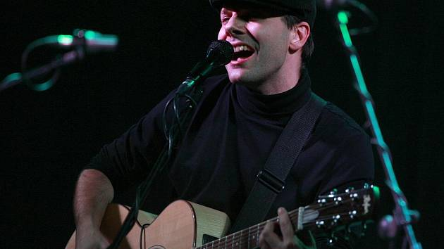 Jihočeská skupina Epy de Mye natočila nové album s názvem Maso! Žánrově opouští ortodoxní folk a směřuje do mainstreamu. Na snímku kytarista, zpěvák a autor písní Jan Přeslička.