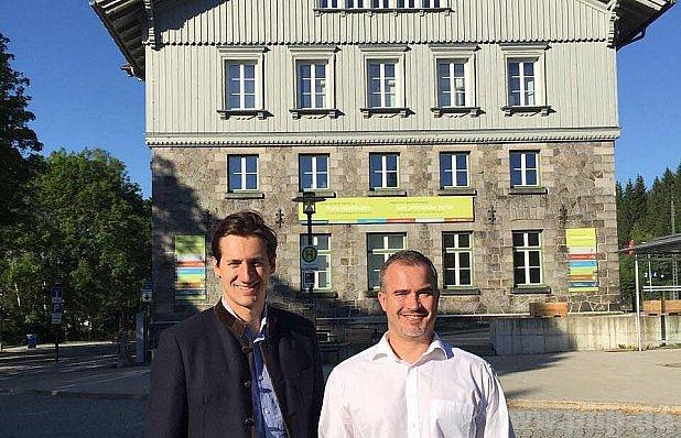 Iniciátoři na Náměstí Helmuta Kohla?
