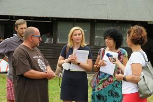 Hygieničky Krajské hygienické stanice v Českých Budějovicích už zkontrolovaly přes 20 letních táborů v kraji. V pondělí 12. července navštívily kemp Litoradlice od spolku LT Střela.