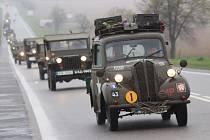 Konvoj amerických vojenských vozidel projel Jihočeským krajem. Zastavil se asi v patnácti jihočeských místech a zúčastnilo se ho asi čtyřicet džípů, nákladních automobilů a motocyklů.