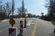 U Sedlce překlene silnici České Budějovice - Písek u nebezpečné křižovatky lávka. Vozovka se také rozšíří.