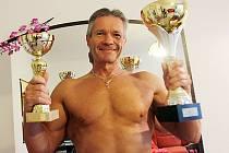Miloslav Závorka se v říjnu účastnil první soutěže v naturální kulturistice a hned získal pohár pro nejlepšího. Jak ale on sám říká, soutěž to byla poslední.