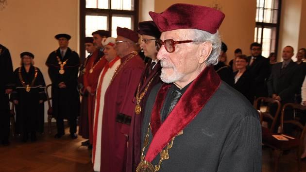 Profesor Mons. Karel Skalický.