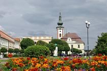 Novobystřické náměstí.
