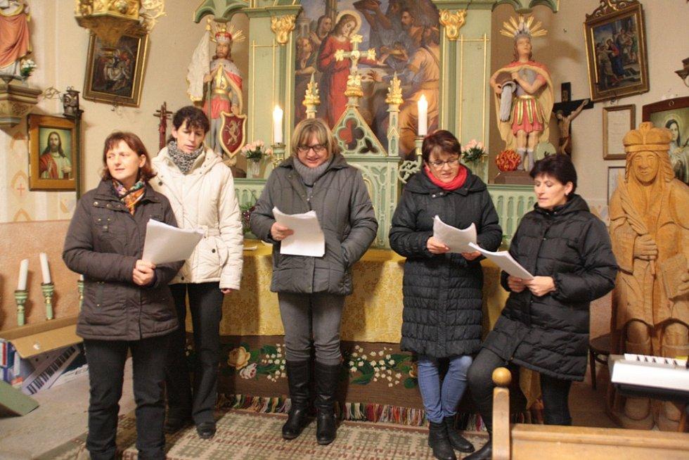 Zpívání koled v Jankově.