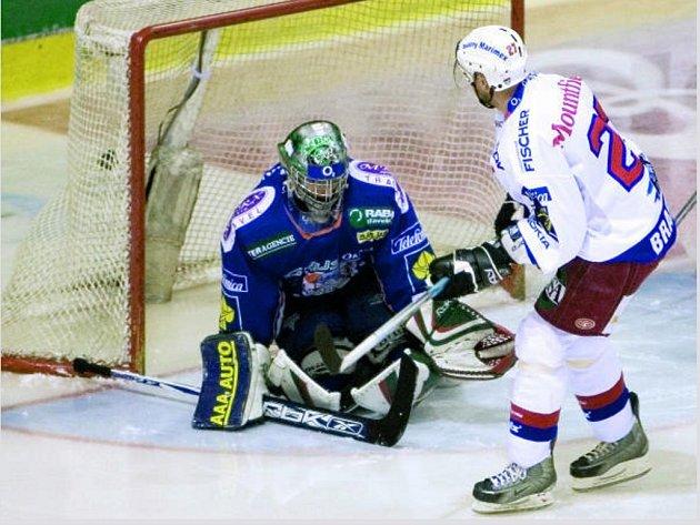 Českobudějovický útočník Kamil Brabenec v úvodu třetí třetiny srovnal skóre na 2:2. Byla to však poslední branka jeho týmu, Mountfield potřetí v řadě Kladno neporazil.