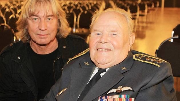 Plukovník Milan Malý a Pavel Žalman Lohonka.