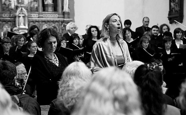 Táborské sbory a Komorní orchestr Bolech nacvičily dílo Antonína Dvořáka. Zaznít by mohlo ivněmecké Kostnici.
