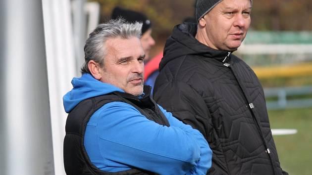 Kouč Jan Koutský a předseda fotbalistů Lokomotivy ČB Jiří Pečenka.