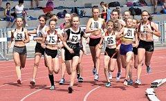 800 m vyhrála Barbora Hesová (č. 75).