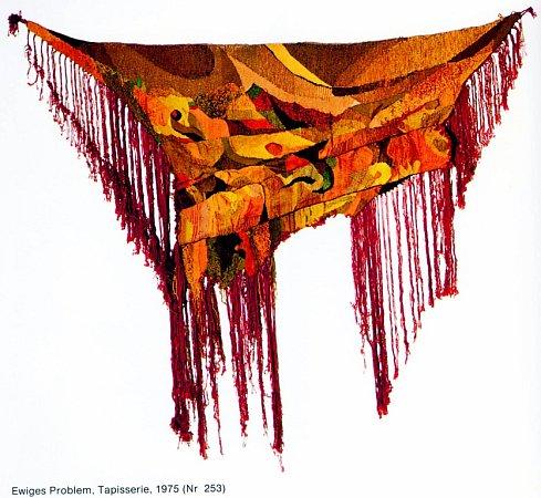 Ve věku 88let zemřel 24.března 2013Jiří Tichý, jihočeský výtvarník a filozof, jehož dílo zná celá Evropa. Nejvíc ho proslavily tapisérie. Na snímku tapisérie Věčný problém, rok 1975.