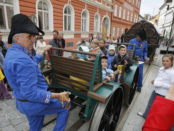 Budějovice jsou jediným okresním městem na jihu Čech, které nemají velké slavnosti. Jedním ztémat takové oslavy by mohla být koněspřežka.