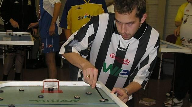 Hráč týmu WIP Reklama Jiří Honsa se může chlubit titulem hráč kola.