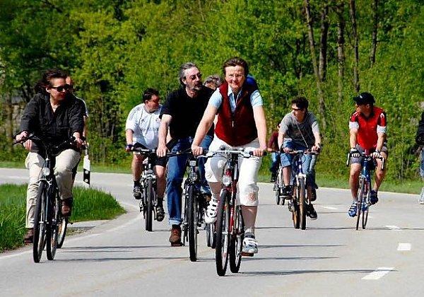 Cyklisté ovládnou silnice.