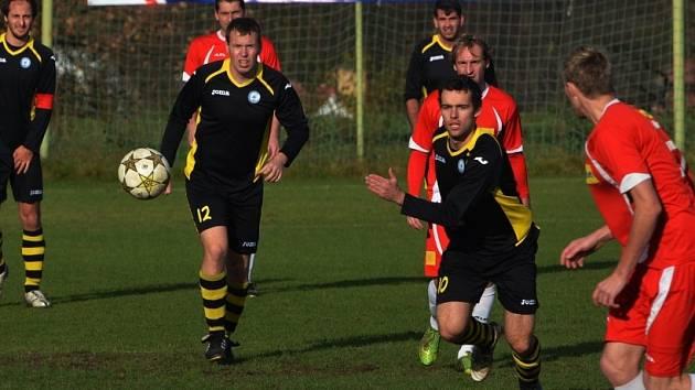 Snímek je z podzimního utkání mezi Osekem a Sedlicí