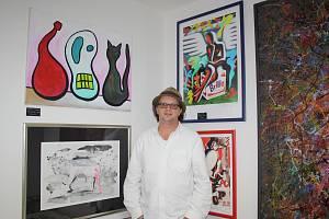 Miroslav Houška otevřel Galerii 1 na rohu České a Panské ulici v Českých Budějovicích, která se specializuje na umělce od 60. let.