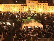 Adventní trhy na českobudějovickém náměstí. Ilustrační foto.