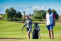 Do Českých Budějovic dorazí profesionální golfistka Gabriella Cowley. Jejím kondičním trenérem bude bývalý atlet Sokola Tomáš Železný. Snímek připomíná jejich společné působení na turnaji v Maroku
