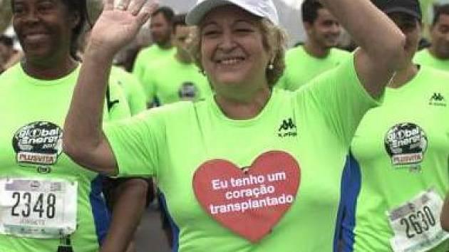 Běžela i za dárce svého srdce.