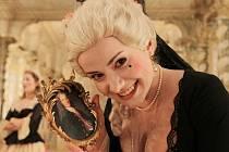 V českokrumlovském barokním divadle zazní 9. září po 243 letech novodobá premiéra Scarlattiho opery Kde je láska, je i žárlivost. Na snímku před zkouškou Lenka Máčiková.