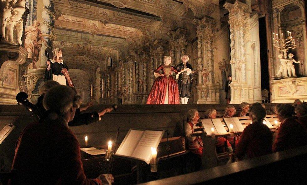 V českokrumlovském barokním divadle zazní 9. září po 243 letech novodobá premiéra Scarlattiho opery Kde je láska, je i žárlivost. Snímek ze zkoušky.