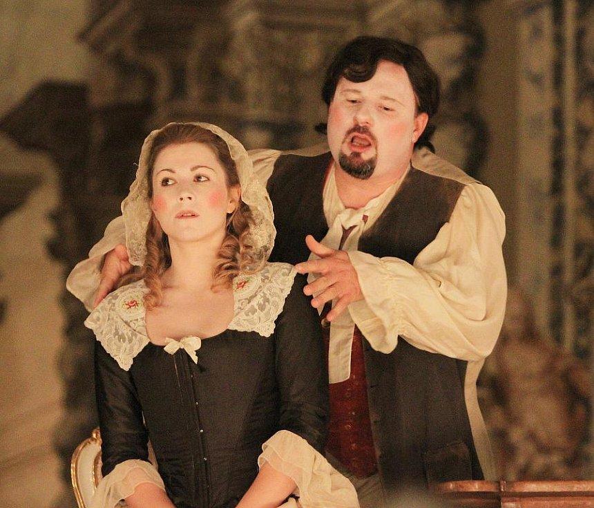 V českokrumlovském barokním divadle zazní 9. září po 243 letech novodobá premiéra Scarlattiho opery Kde je láska, je i žárlivost. Na snímku Kateřina Kněžíková a Jaroslav Březina.