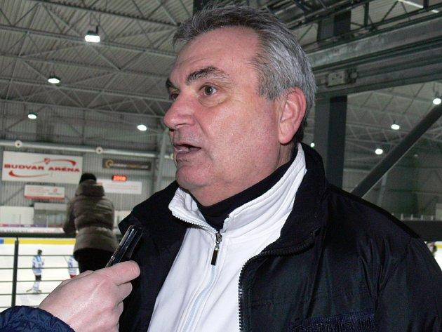 Kouč hokejistů David servisu Jiří Fedur.