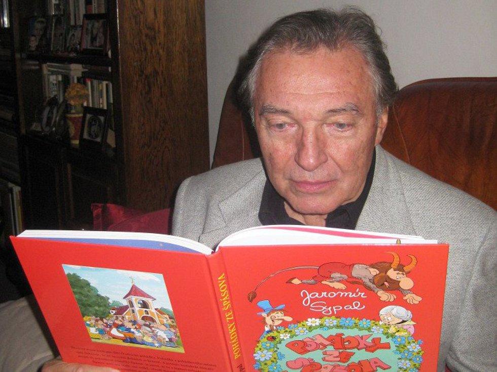 Pohádky Jaromíra Sypala předčítal svým dětem i Karel Gott.