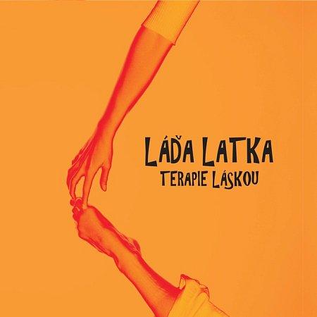 Písničkář Láďa Latka natočil své debutové CD Terapie láskou, je na něm 12písniček.