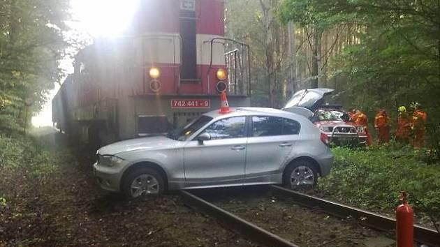 Střet vlaku a osobního automobilu u Vrábče na Českobudějovicku.