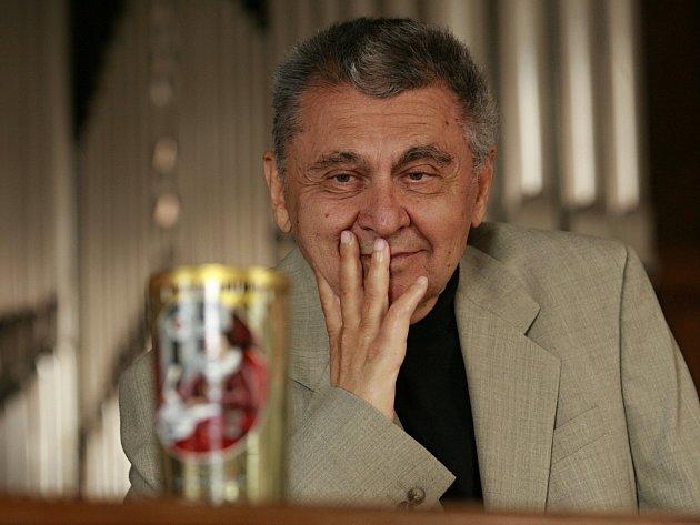 Nedávno zesnulý spisovatel Jan Nouza, držitel ceny Číše Petra Voka, literárního ocenění jihočeských spisovatelů.