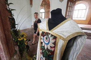 Ornáty a květiny v Klášteře Zlatá koruna
