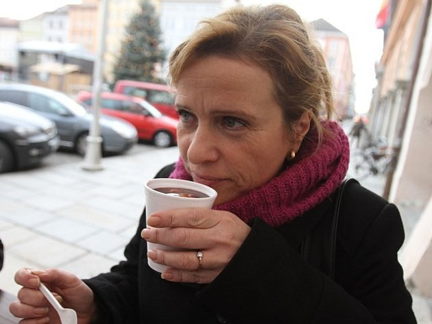 Miloša Zámečníková hodnotila vzhled, vůni, chuť a celkový dojem. Vyzkoušela celkem deset punčů z deseti stánků.