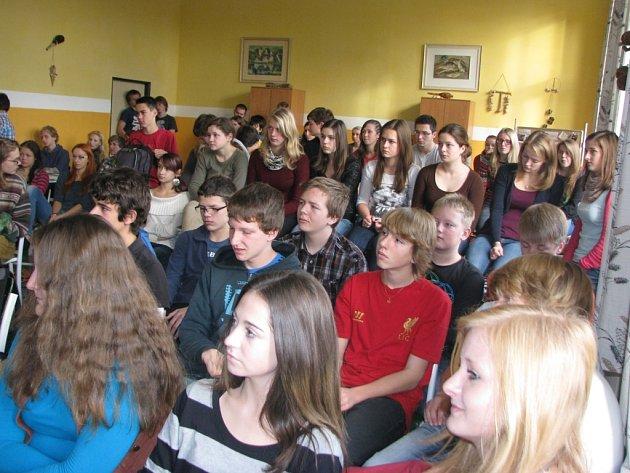Stávkující studenti na Gymnáziu Jírovcova.