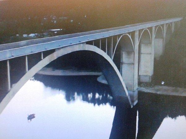 Dvě epizody Případů I. oddělení se částečně odehrály na Orlické přehradě uTemešváru
