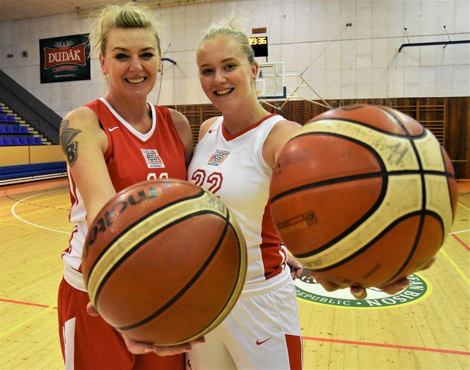 Basketbalovou baštou jsou Strakonice. Tabulky vedou osobnosti