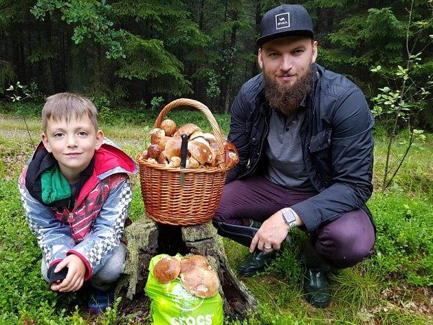 Martin Hanzal se svým synem Martinem juniorem.