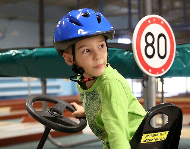 V Hopsáriu zápolily děti i s rodiči v dopravní soutěži.
