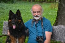 Spisovatel, fotograf a milovník Novohradských hor Milan Koželuh vydává svou knihu Khory.