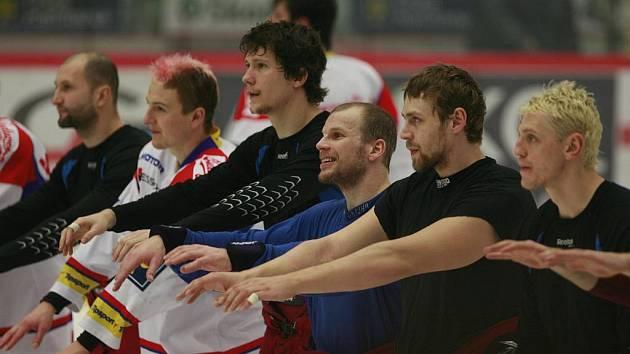 Hokejisté HC Mountfield se loučí se svými fanoušky.