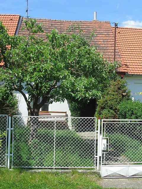 Domek na náměstí dodnes využívají vnoučata Františka Hrubína. eník/L. Dvořák