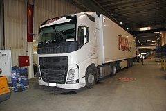 Neviděli jste, jak z kamionu zmizely součástky do vozů za více než 30 milionů korun?